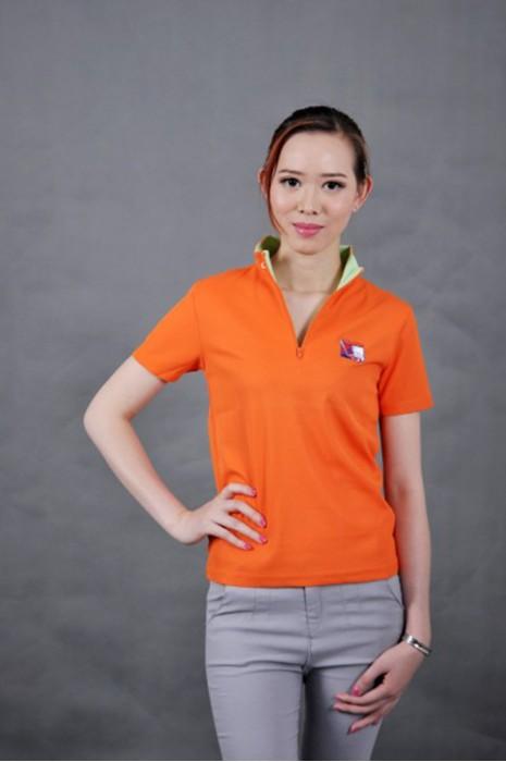 P440 專業訂做女裝polo衫 MODEL  真人模範 半胸拉鏈 設計個性短袖衫 訂購團體衫供應商HK