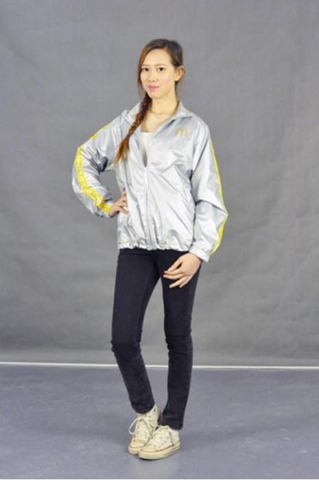 J485 風衣外套款式 真人試穿 模特示範 訂做風褸外套  銀色風褸 制服風衣外套 金色風褸 金銀 亮銀風褸  DIY設計風衣款式 風褸供應商