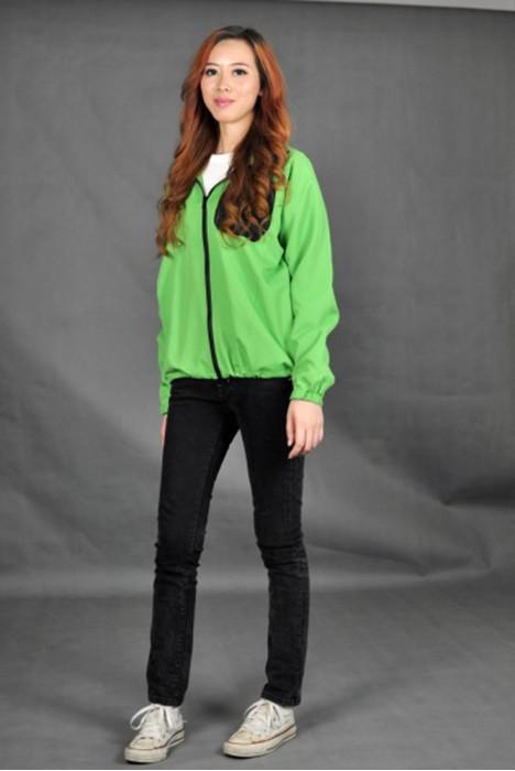 J416 訂購個性風褸  真人展示 模特試穿 無縫貼合制服 訂製輕薄外套  自訂通氣風褸  團體外套供應商