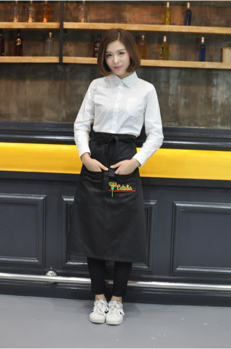 AP079  設計餐飲圍裙款式  真人展示  模特示範  來樣訂做圍裙款式  荷蘭餐廳 圍裙  製作LOGO圍裙款式   圍裙工廠
