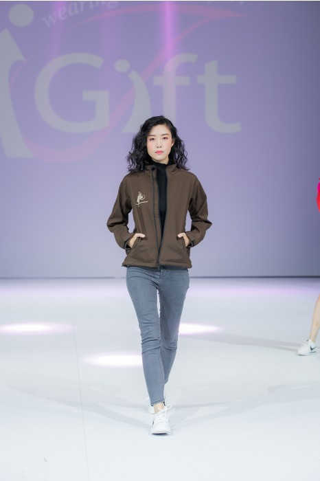J771 網上下單風褸外套  來樣訂造復合外套 模特試穿  真人展示  風褸外套專營
