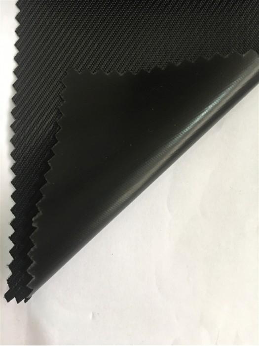 JS-CNYI-1680D 細斜紋 PVC- 67 尼龍面料  背囊/雨衣面料    防水 防油 圍裙布料
