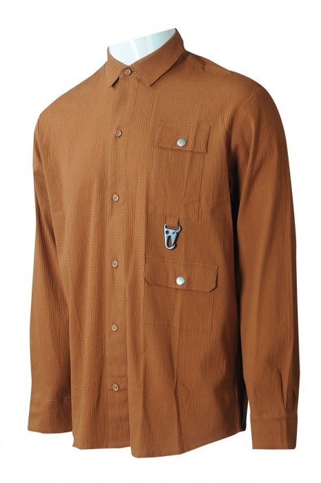 R330 來樣訂製皺紋布男裝長袖恤衫 設計仿麻棕色胸帶圓弧腳胸位鐵鎖扣恤衫 恤衫中心 100%棉  韓版 寬鬆