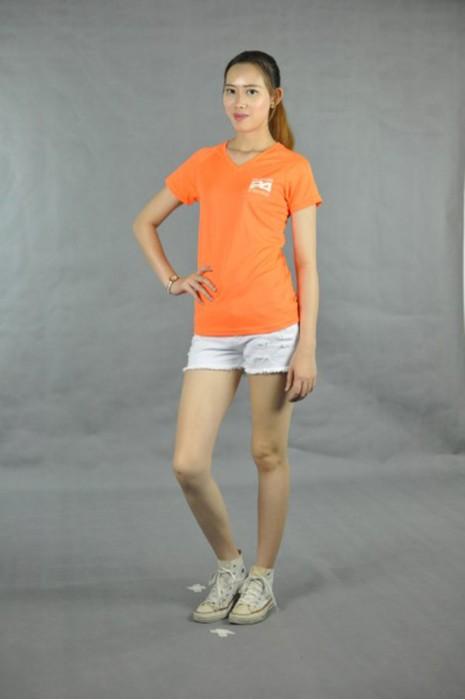 T520 專業訂做T恤  真人試穿 模特示範 自訂ee款式  杏領 訂購團體T恤供應商HK