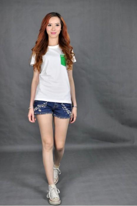 T512 訂購白色t-shirt  真人試穿 模特示範 訂製團體T恤款式  印製logo  訂tee供應商