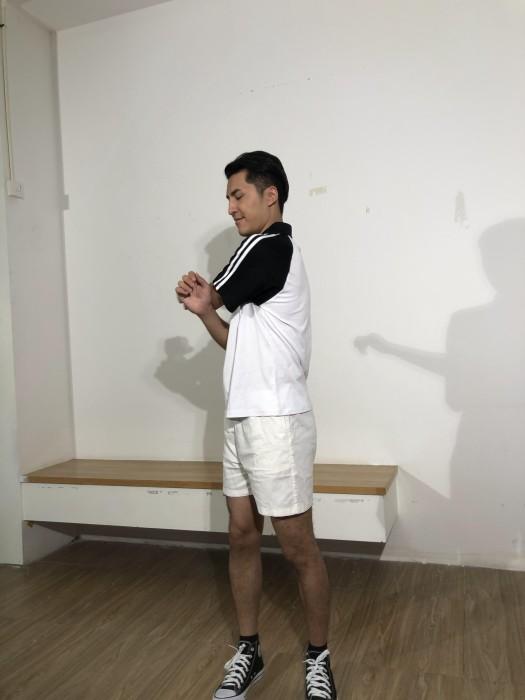 BD-MO-007 訂製男裝短袖POLO恤 供應黑白拼色白色間條POLO恤 真人展示 真人試穿 POLO恤中心