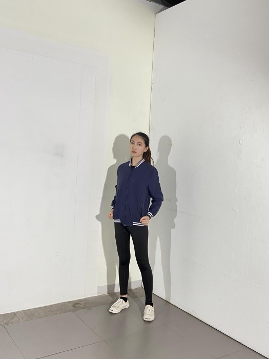 BD-MO-028訂製立領舒適外套 模特試穿 藏藍色拼藍白邊運動外套  外套製造商