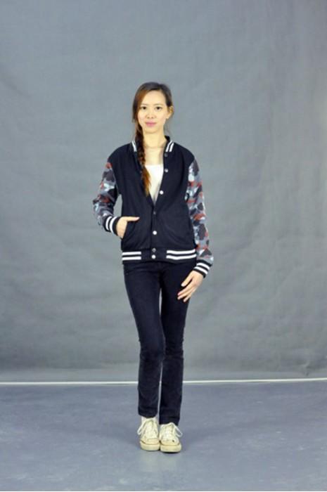 Z246 訂造迷彩袖棒球褸  模特試穿 真人模範 訂製迷彩拼接外套 夾克立領韓版上衣 女子 棒球 褸 秋冬裝加絨衛衣 訂購團體衛衣公司