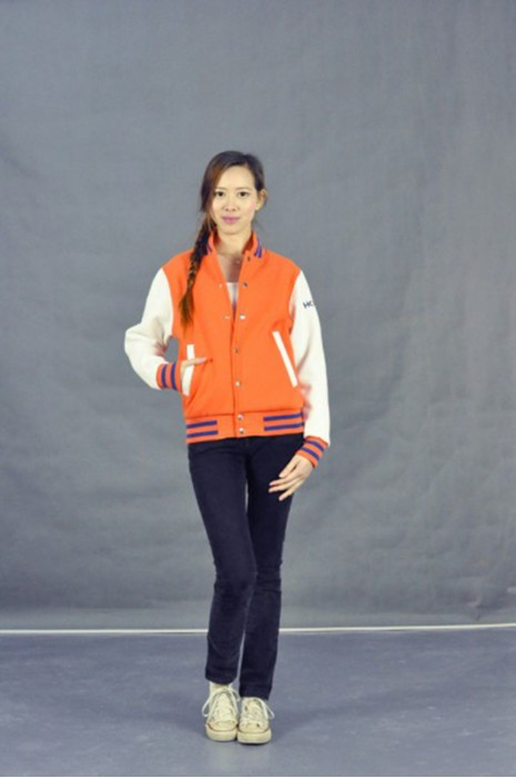 Z239 棒球衛衣 模特試穿 真人模範 高新科技行業 拼 色 棒球外套 綿褸 啪鈕外套 棒球 褸 拼 色 訂 園區活動外套 棒球衛衣公司