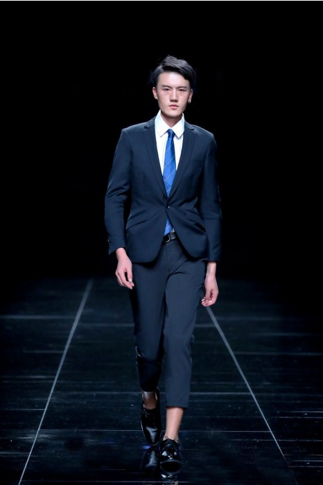 MDBS009  設計男裝西裝套裝 模特示範西裝  西裝制服公司