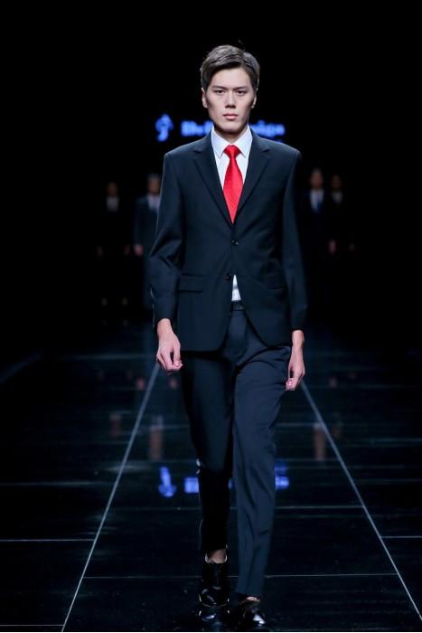 MDBS010 來樣訂造男西裝套裝  模特示範 真人走秀男西裝  男西裝hk中心