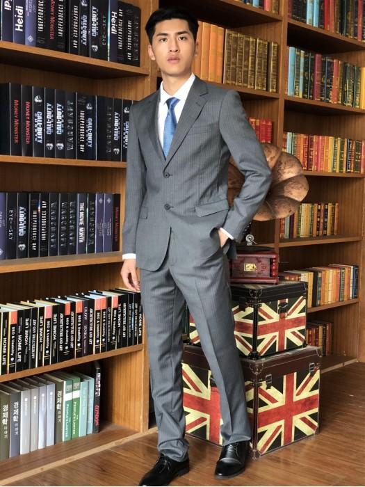 BD-MO-063  訂造職業西裝套裝  模特試穿 真人展示  設計修身灰色男西裝  男西裝專門店