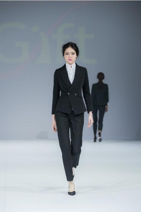BWS089  製造職場女西裝  模特走秀 真人示範  設計修身女西裝  度身訂造西裝套裝  女西裝製衣廠