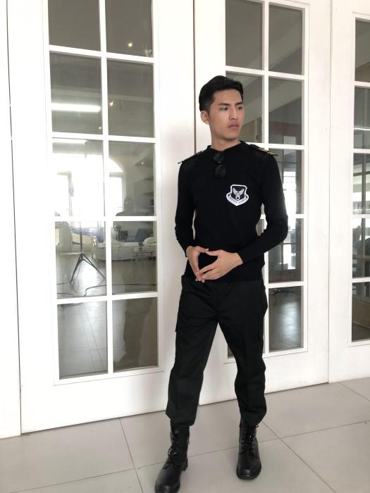 BD-MO-022  專業訂購保安毛衣     設計時尚黑色圓領毛衣    真人試穿  模特示範   毛衣製造商