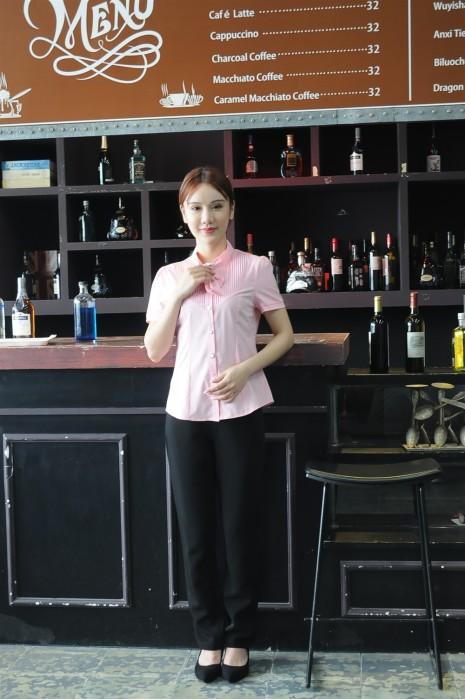 MDCU016 訂做粉色賭場制服 模特示範 真人試穿 短袖 胸口有綁帶 賭場制服生產商