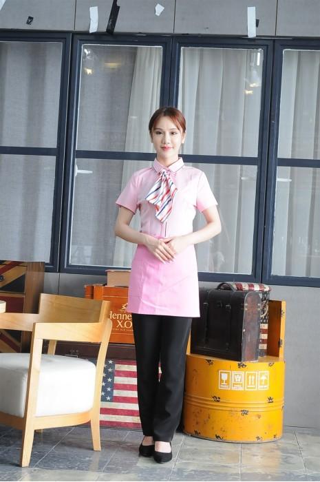 MDCU020 制訂粉色短袖賭場制服 真人展示 帶領花恤衫 賭場制服生產商
